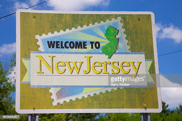 state welcoming sign, new jersey - trenton new jersey stock photos and pictures