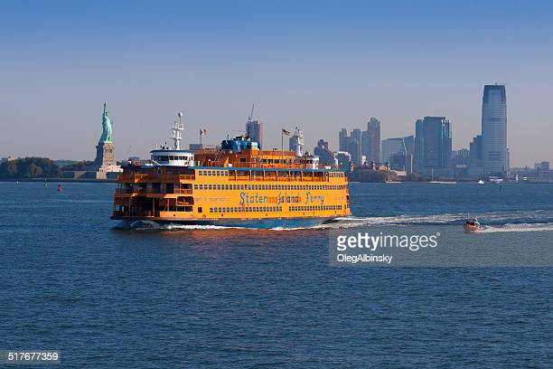 staten island ferry and statue of liberty, new york. - staten island ferry stock pictures, royalty-free photos & images