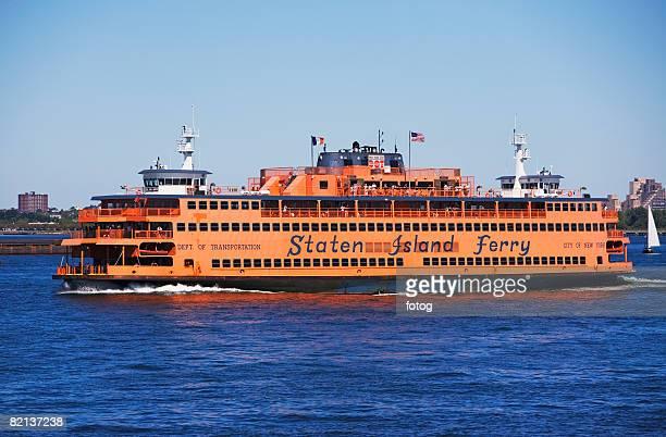 staten island ferry on water, new york, united states - ilha staten - fotografias e filmes do acervo