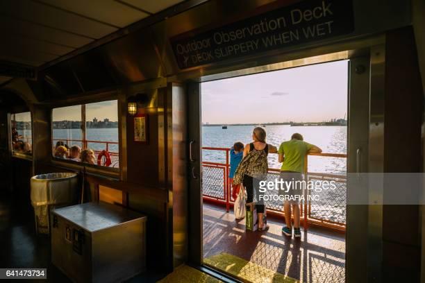passeio de staten island ferry - ilha staten - fotografias e filmes do acervo