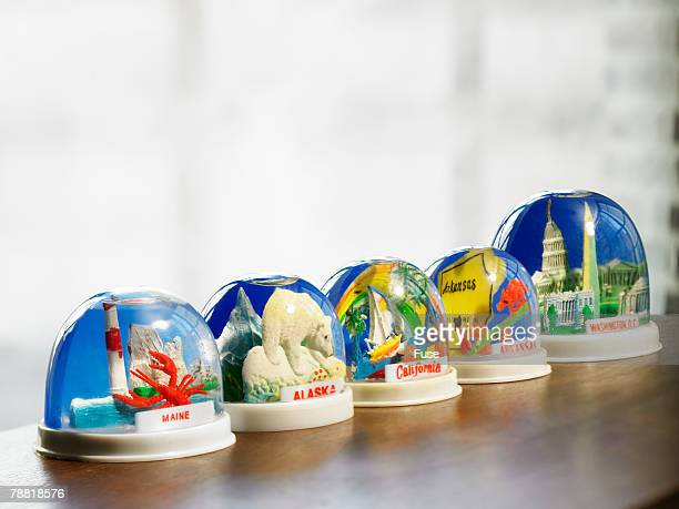 us states snowglobes - souvenir stock pictures, royalty-free photos & images