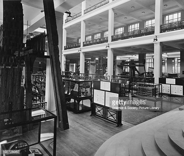 Stationary Engines in East Hall of the Science Museum September 1931 Stationary Engines in East Hall of the Science Museum September 1931