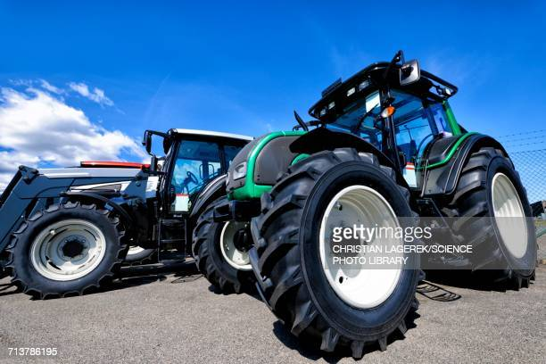 Stationary tractor with large tyres