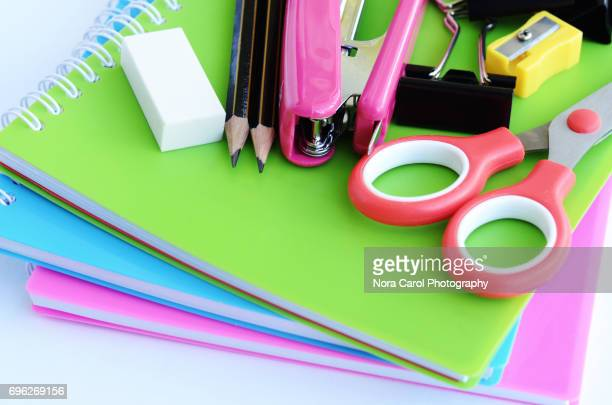 stationery and note pad. - fourniture de bureau photos et images de collection