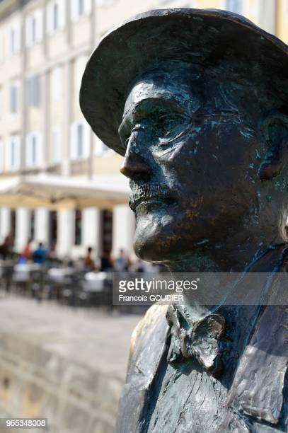 Statue de l'écrivain James Joyce Via Rossini alors professeur d'anglais à l'école Berlitz le 9 août 2017 Trieste Italie