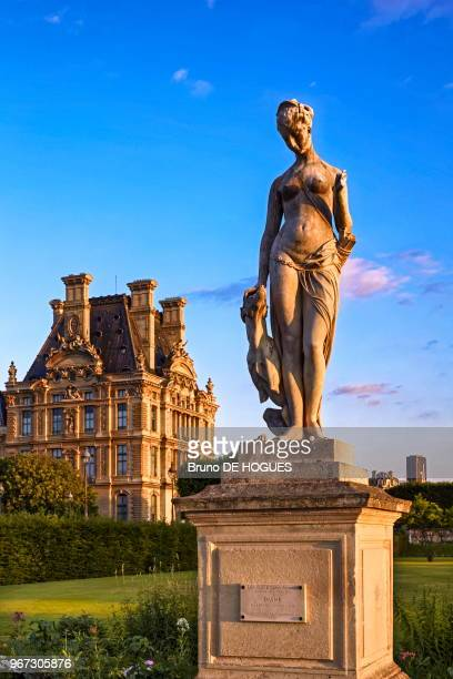Statue Jardin Stock Pictures Royalty Free Photos Images Getty