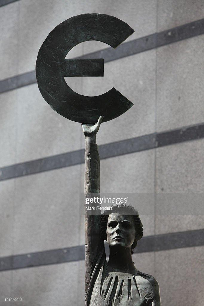 Fotos En Beelden Van European Debt Crisis Grows Getty Images