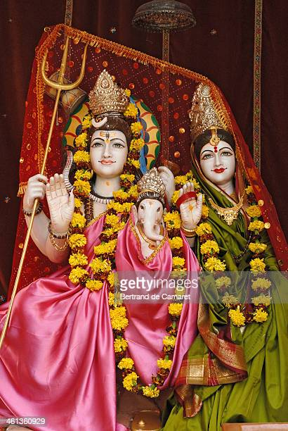 statue in delhi - shiva stock pictures, royalty-free photos & images