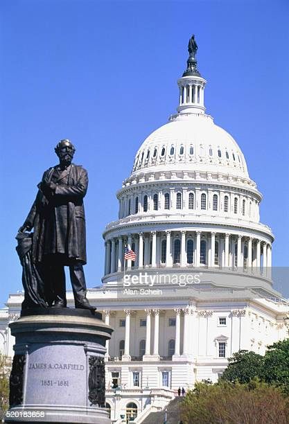statue in front of the capitol building, washington dc, usa - united states capitol rotunda stock pictures, royalty-free photos & images
