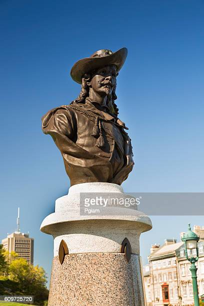 statue in old quebec city - old quebec stock pictures, royalty-free photos & images
