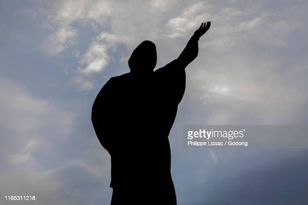 statue in skopje, republic of macedonia. - キリスト教 ストックフォトと画像