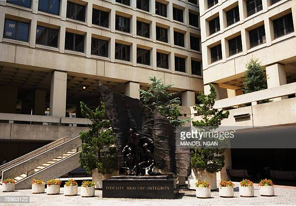 A statue is seen 03 August 2007 inside the courtyard of the J Edgar Hoover FBI Building in Washington DC AFP PHOTO/Mandel NGAN