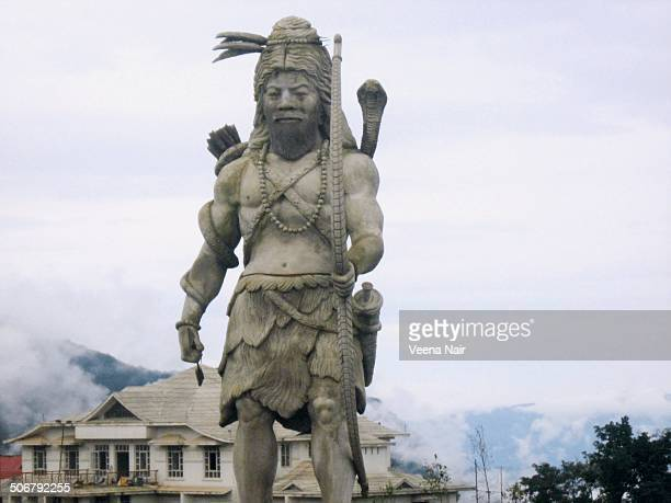 CONTENT] A statue of 16 1/2 feet of Lord Kirateshwar an incarnation of Lord Shiva at Solophok HillChardhamSikkim