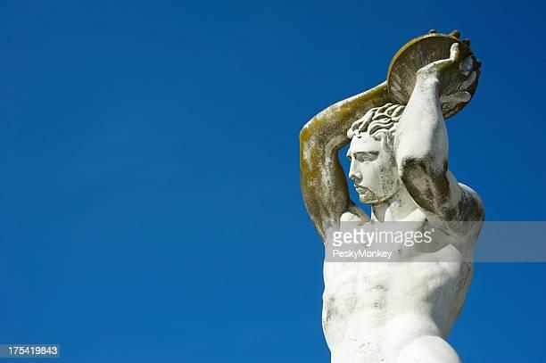Statue eines Discus Thrower in weißem Marmor