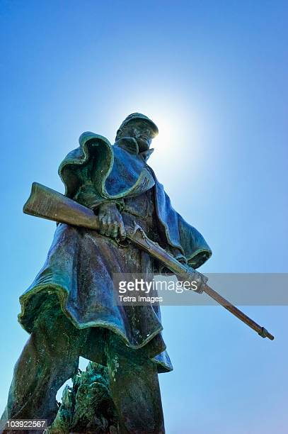 statue of a soldier at vicksburg national military park - vicksburg_national_military_park stock pictures, royalty-free photos & images