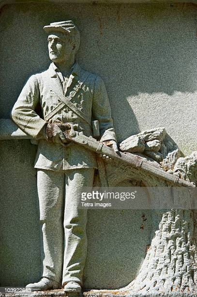 statue of a union soldier at vicksburg national military park - vicksburg_national_military_park stock pictures, royalty-free photos & images