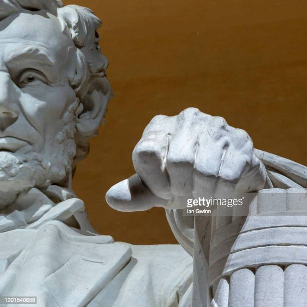 statue of abraham lincoln at lincoln memorial (color image)_1 - ian gwinn stock pictures, royalty-free photos & images