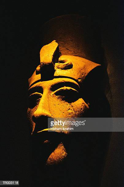 statue of akhenaten - akhenaten stock pictures, royalty-free photos & images