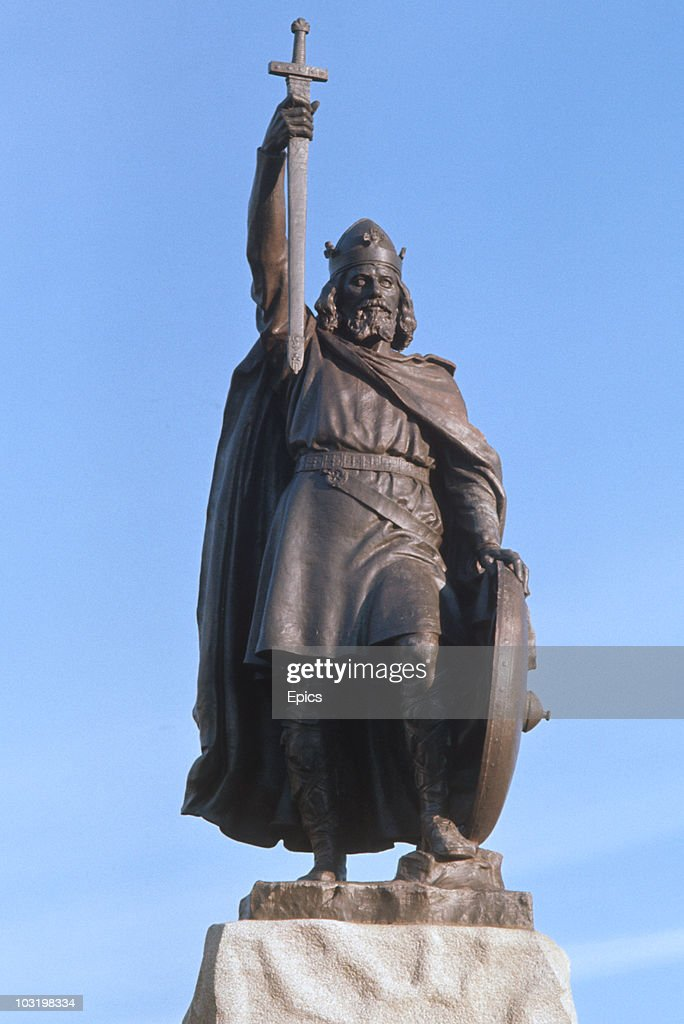 A statue of Alfred The Great (849-899) in Winchester, Hampshire circa 1975. It is by sculptor Hamo Thornycroft and was erected in 1901