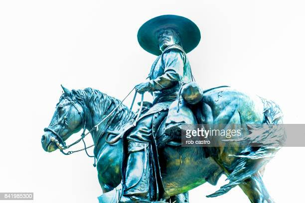 statue of an unknown horseman - rob castro stock pictures, royalty-free photos & images