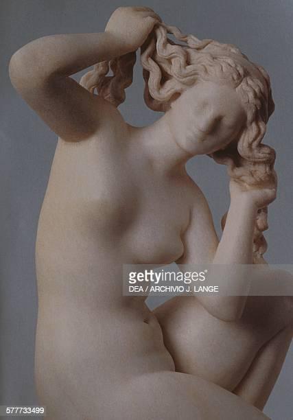 Statue of Aphrodite bathing, Roman copy in marble of a Hellenistic original. Roman civilisation, 2nd century BC. Detail. RHODES, ARHEOLOGIKÓ MOUSSÍo
