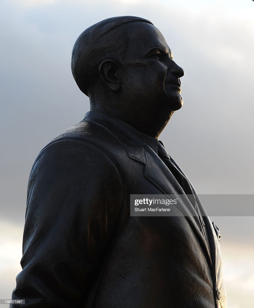 Statue of Arsenal Legend Unveiled