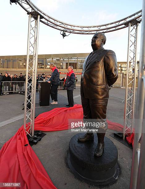 Statue of Arsenal Legend Herbert Chapman is unveiled at Emirates Stadium one of three iconic statues to be placed at the Emirates Stadium home of...