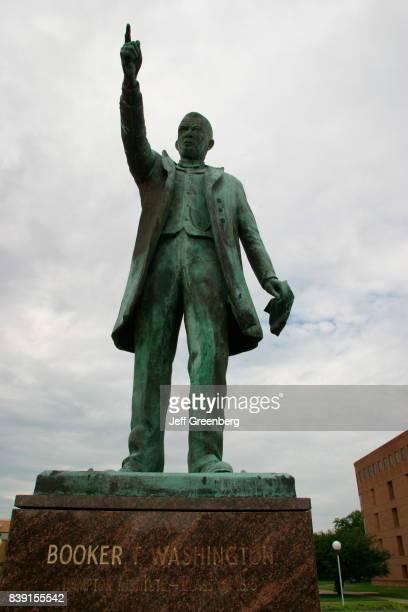 A statue of Booker T Washington at Hampton University