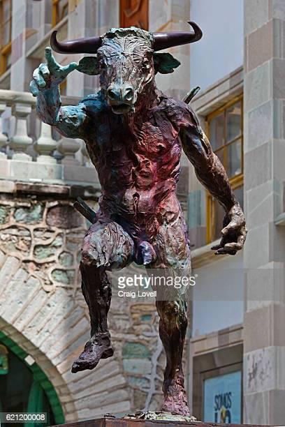 statue of bull in front of the university of guanajuato - guanajuato, mexico - minotauro imagens e fotografias de stock