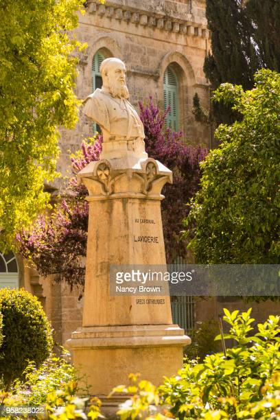 statue of bust of cardinal lavigrie in in jerusalem - 名作 発祥の地 ストックフォトと画像