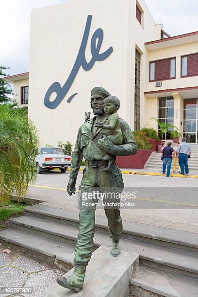 Statue of Che Guevara outside the Cuban Communist Party headquarters in Santa Clara which is call the city of Che