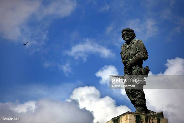 A statue of Che Guevara stands over his mausoleum on December 25 2015 in Santa Clara Cuba The memorial houses the remains of revolutionary Ernesto...