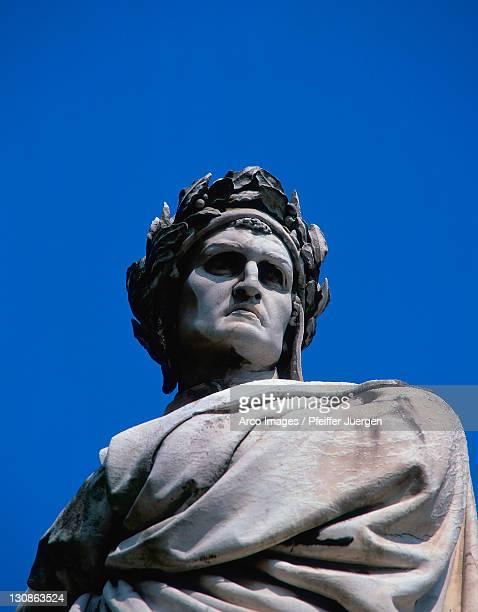 statue of dante aligheri, church santa croce, florence, tuscany, italy - dante alighieri foto e immagini stock