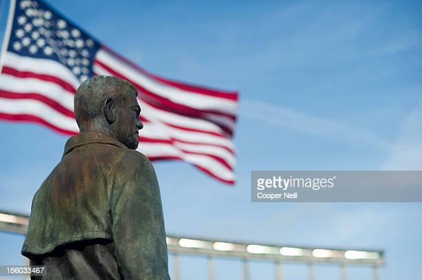 Statue of former Texas Longhorns head coach Darrell K Royal looks over the field before the Big 12 Conference game between the Texas Longhorns and...