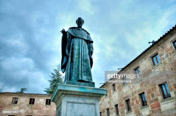 statue of fray luis de león - university of salamanca, spain - akademisches lernen stock pictures, royalty-free photos & images