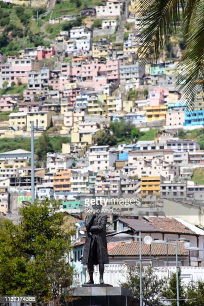 statue of general antonio jose de sucre in quito - キト ストックフォトと画像