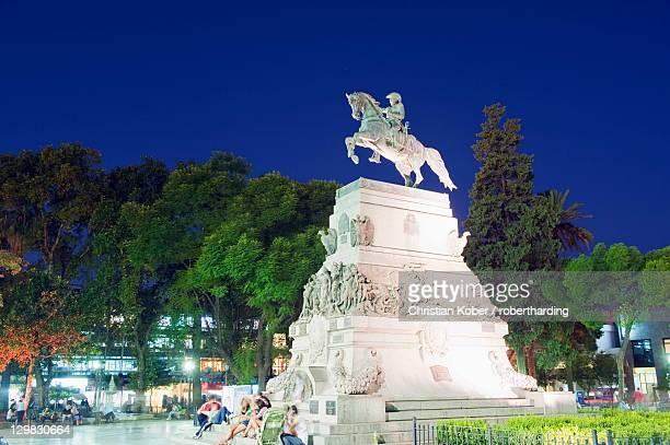 statue of general jose de san martin, plaza san martin, cordoba, argentina, south america - cordoba argentina stock pictures, royalty-free photos & images