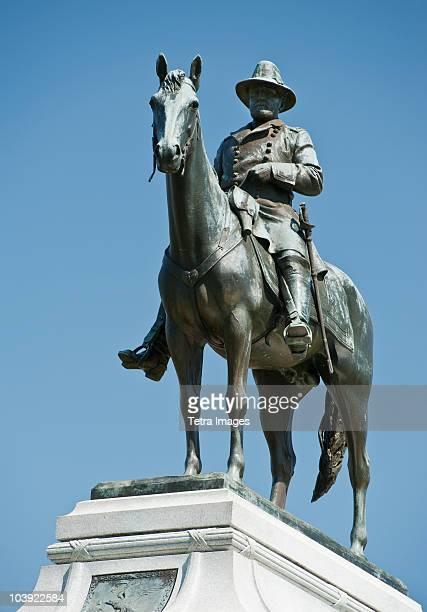 statue of general sherman at vicksburg military park - vicksburg_national_military_park stock pictures, royalty-free photos & images