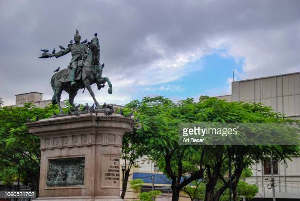 statue of gerardo barrios - san salvador stock pictures, royalty-free photos & images