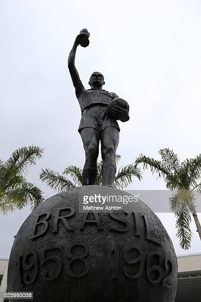 Statue of Hilderaldo Luiz Bellini outside the Estadio Jornalista Mario Filho / Maracana Stadium in Rio de Janeiro Brazil Bellini was the captain of...