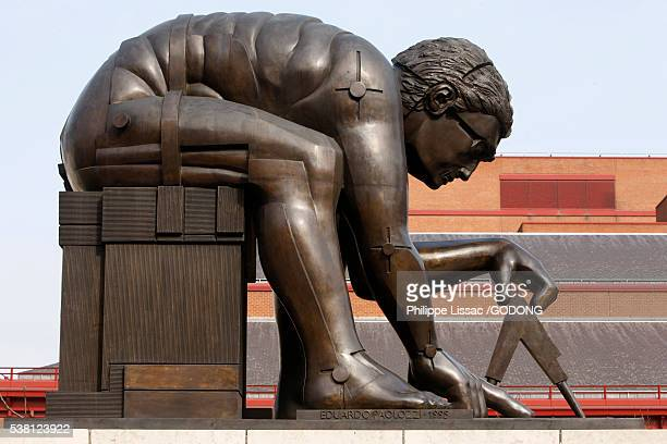 Statue of Isaac Newton at British Museum