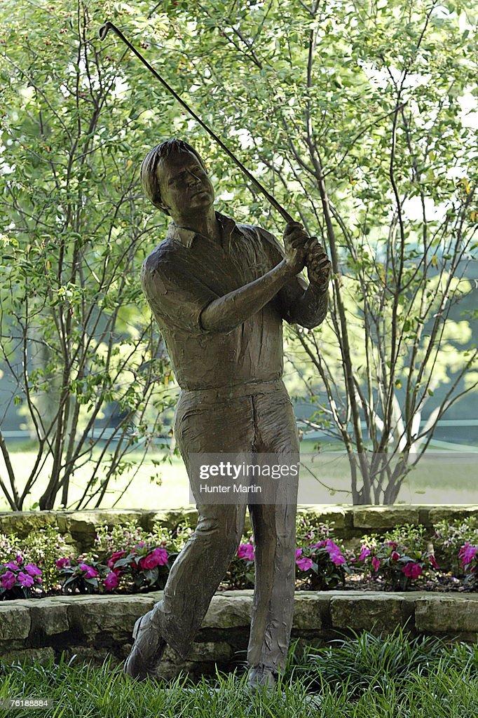 PGA TOUR - 2006 Memorial Tournament - Third Round : News Photo
