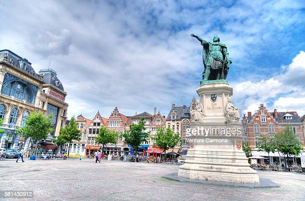 Statue of Jacob of Artevelde on the 'Vrijdagsmarkt' in Ghent