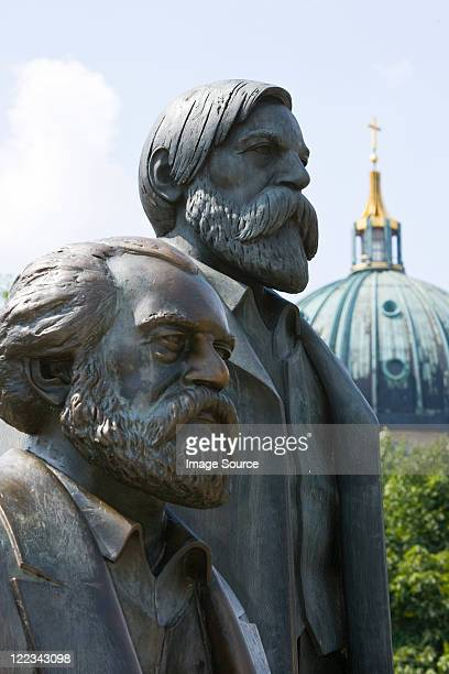 statue of karl marx and friedrich engels, berlin, germany - karl marx stock pictures, royalty-free photos & images
