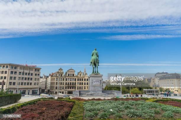 statue of king albert i in brussels - região da capital - fotografias e filmes do acervo