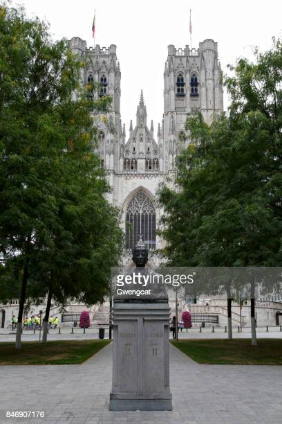 statue of king baudouin i in brussels - gwengoat stock pictures, royalty-free photos & images