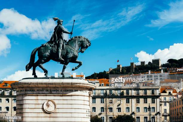 statue of king john i on horse at praça da figueira - peter lourenco stock pictures, royalty-free photos & images