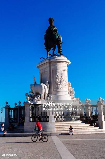 """Statue of King José I in """"Praca do Comercio"""" square."""