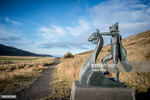 statue of leif erickson at eriksstadir, iceland. - 名作 発祥の地 ストックフォトと画像
