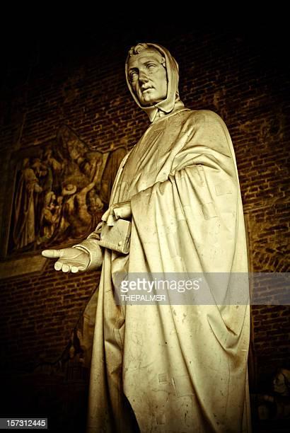 statue of Leonardo Fibonacci